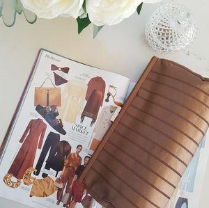 Vintage looking Bijoux Terner Brown Clutch